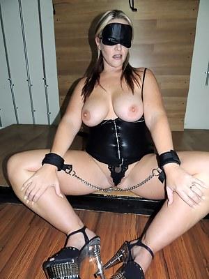 Nude Mature Bondage Porn Pictures