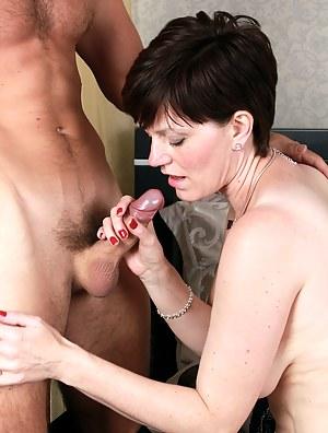 Nude Mature Handjob Porn Pictures