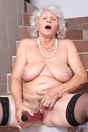 Nude Mature Orgasm Porn Pictures