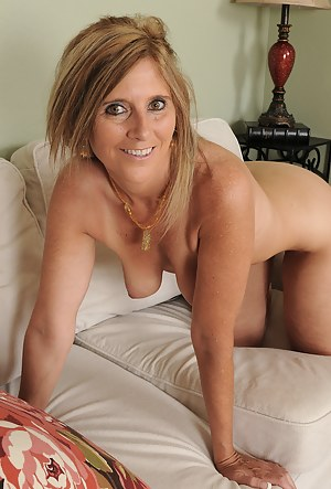 Nude Mature Porn Pictures