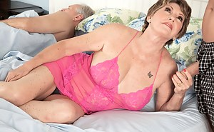 Nude Mature Cuckold Porn Pictures