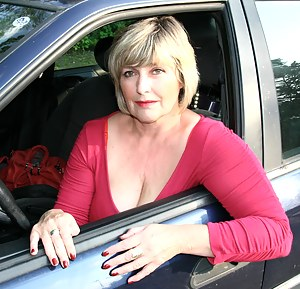 Nude Mature Car Porn Pictures
