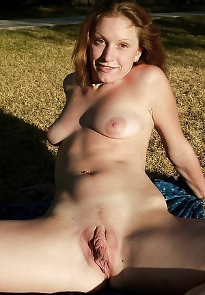 Nude Mature Big Pussy Porn Pictures