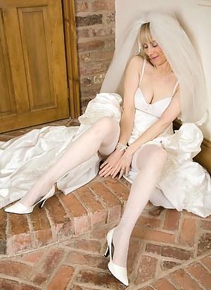 Nude Mature Bride Porn Pictures