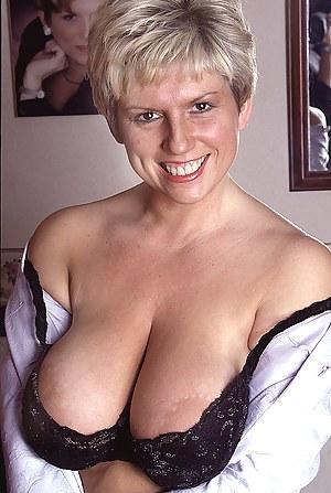 Nude Mature Bra Porn Pictures