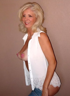 Nude Tanned Mature Porn Pictures