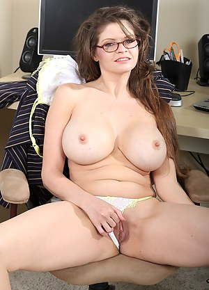 Nude Mature Perfect Tits Porn Pictures