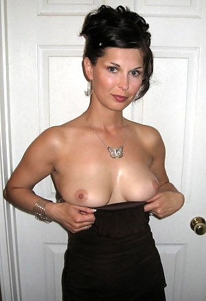 Nude Petite Mature Porn Pictures