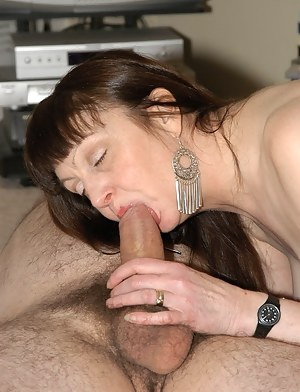 Nude Mature Blowjob Porn Pictures