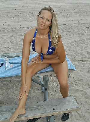 Nude Mature Beach Porn Pictures