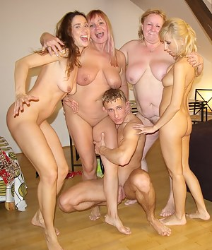 Nude Homemade Mature Porn Pictures