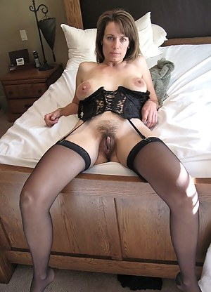 Nude Mature Beaver Porn Pictures