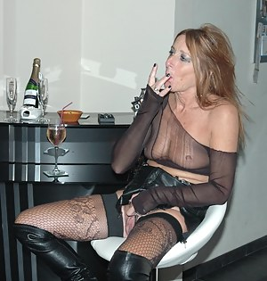Nude Drunk Mature Porn Pictures
