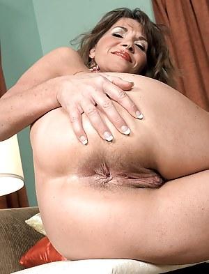 Nude Mature Asshole Porn Pictures