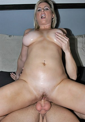 Nude Dick in Mature Pussy Porn Pictures