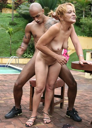 Nude Mature Standing Sex Porn Pictures