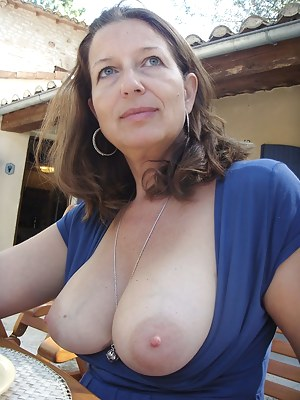 Nude Mature Girlfriend Porn Pictures
