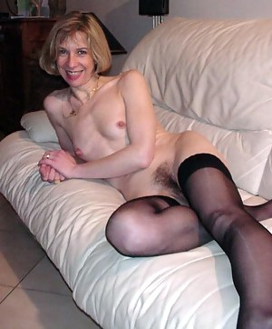 Nude Mature Small Tits Porn Pictures