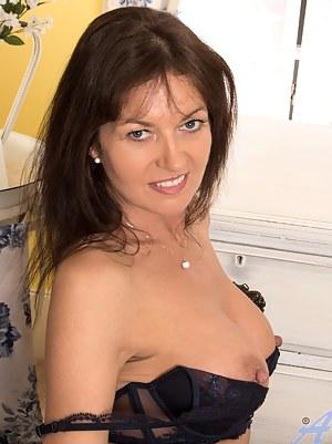Nude Mature Erotic Porn Pictures