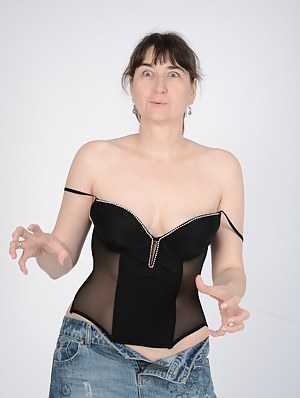 Nude Mature Funny Porn Pictures