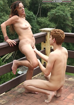 Nude Mature Outdoor Porn Pictures