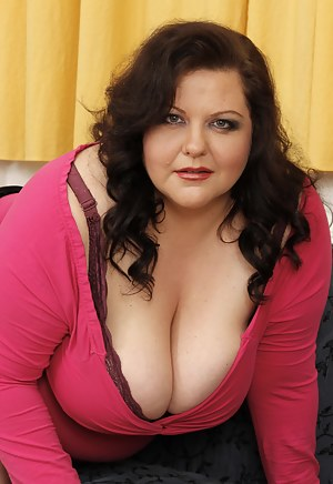 Nude Mature BBW Porn Pictures