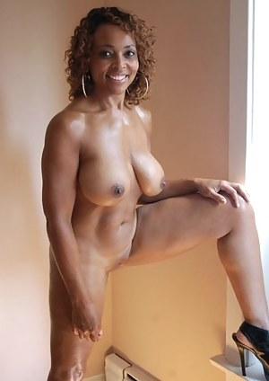 Nude Black Mature Porn Pictures
