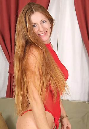 Nude Mature Redhead Porn Pictures