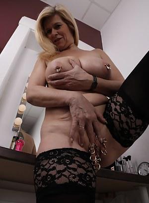 Nude Mature Bizarre Porn Pictures