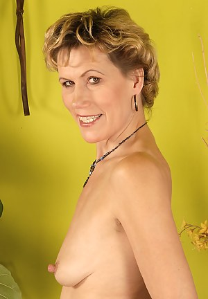 Nude Mature Nipples Porn Pictures