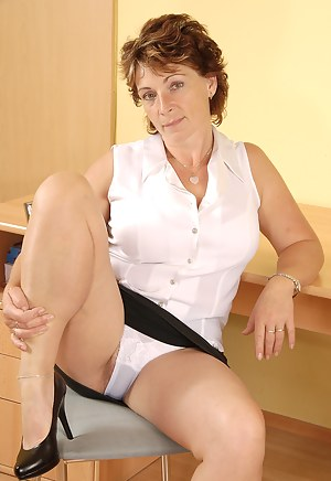Nude Mature Panties Porn Pictures