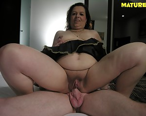 Nude Mature Cowgirl Porn Pictures