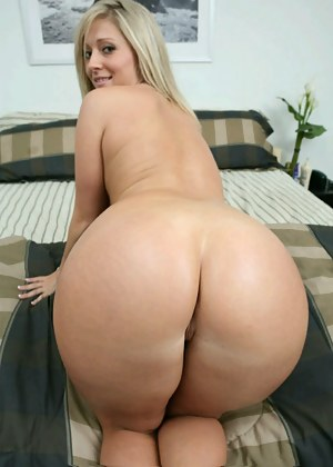 Nude Mature Bubble Butt Porn Pictures