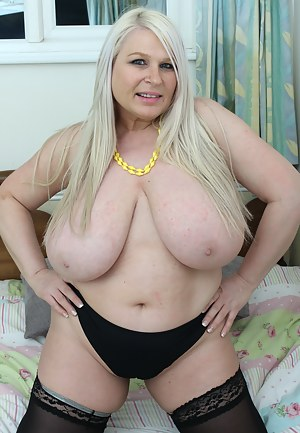 Nude Mature Fat Tits Porn Pictures