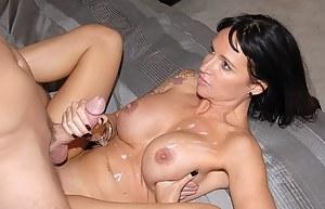 Nude Mature Cumshot Porn Pictures