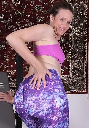 Nude Mature Spandex Porn Pictures