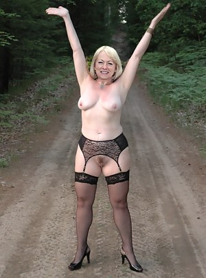 Nude Mature Reality Porn Pictures