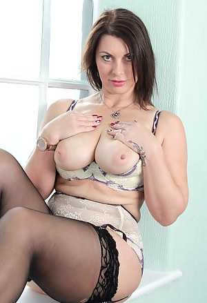 Nude Mature Stockings Porn Pictures
