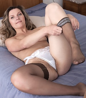 Nude Mature Panties Porn Pictures