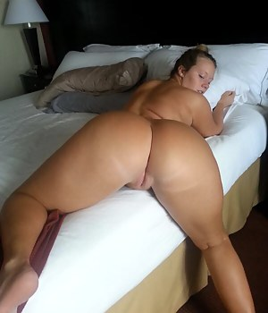 Nude Mature Pussy from Behind Porn Pictures