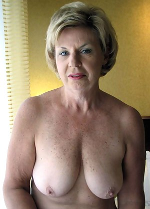 Nude Mature Women Porn Pictures